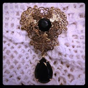 Jewelry - Pretty Victorian Inspired Onyx Pin